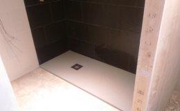 Reforma-de-bano-con-plato-de-ducha-extraplano570